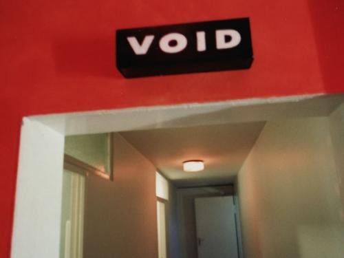 Void 010